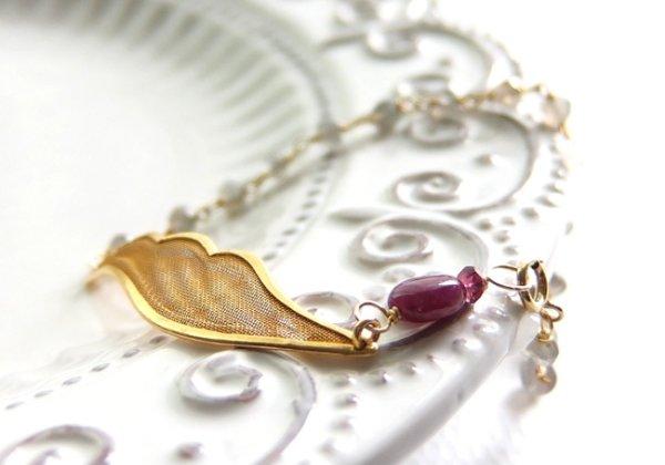 画像1: ルビー*天使の羽のブレスレット
